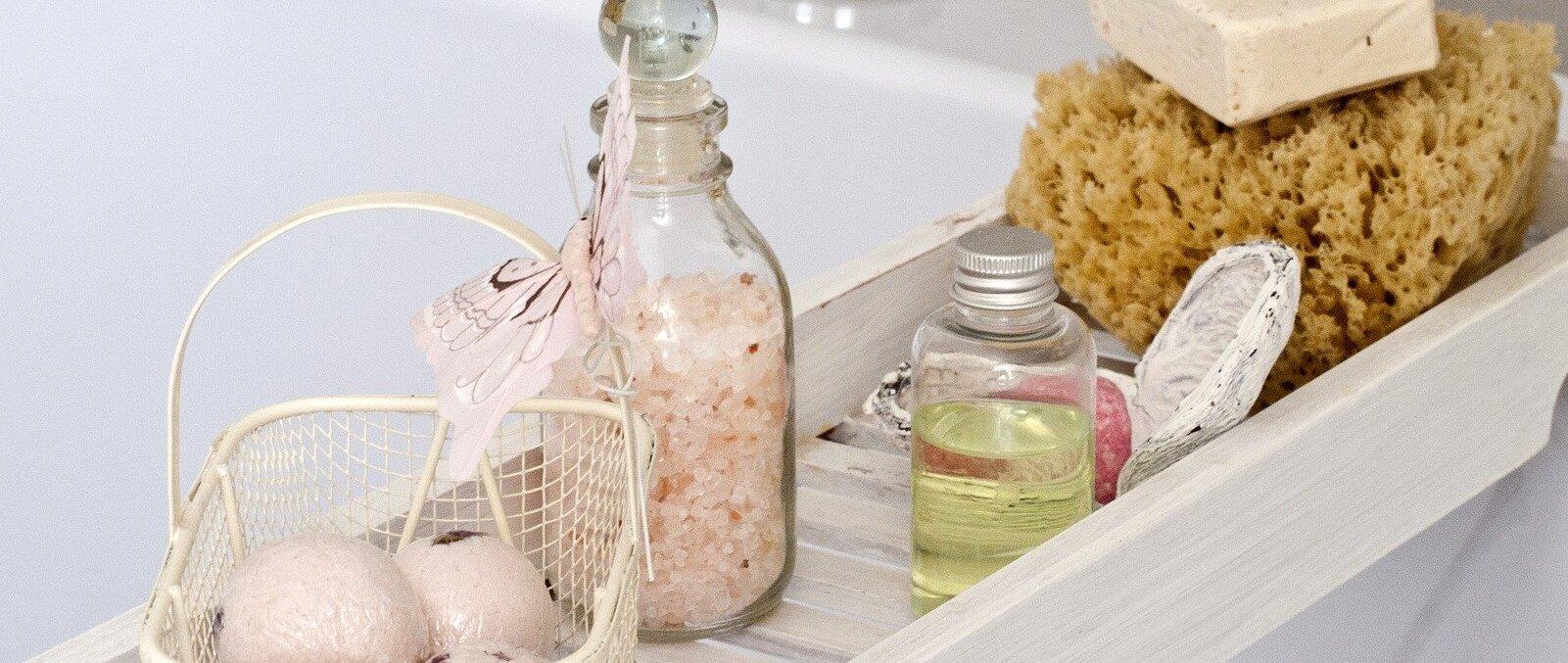 Verdades y mitos sobre productos cosméticos: aloe vera, rosa mosqueta, tintes y parabenos - Maldita.es