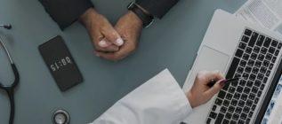Sanidad no ha avisado ni alertado a los mayores de 40 años de que no deben tomar ibuprofeno