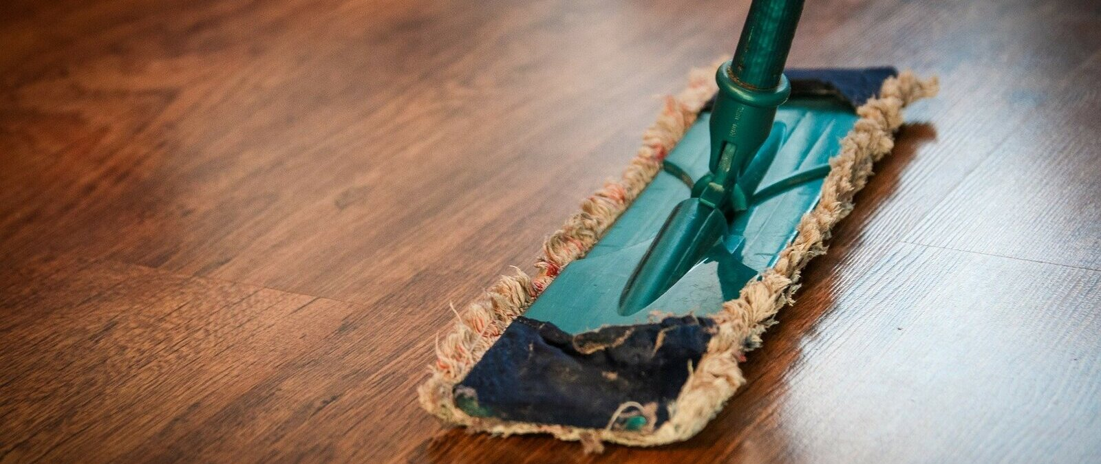 Lavar y desinfectar en tiempos del coronavirus: lo que sabemos sobre la mejor forma para limpiarte tú, tu casa, tus objetos y los alimentos que compras - Maldita.es