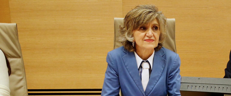 No, la ministra Carcedo no puso su piso de Madrid a nombre de su hijo para seguir cobrando dietas del Congreso