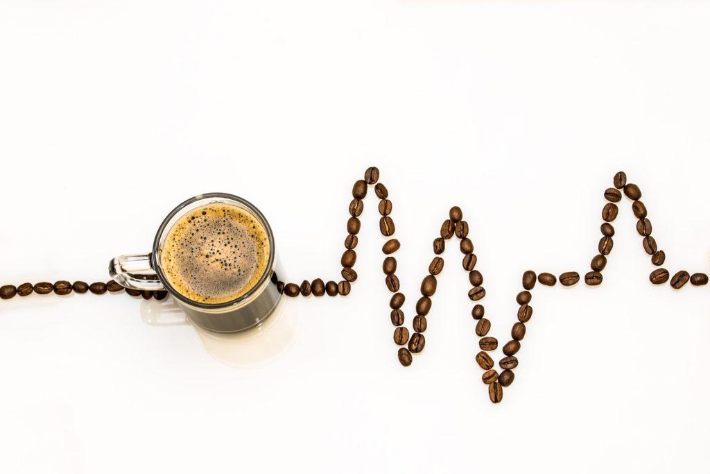 Café a diario, tics en el ojo y síntomas cuando dejas de fumar. Llega el 61º consultorio a Maldita Ciencia