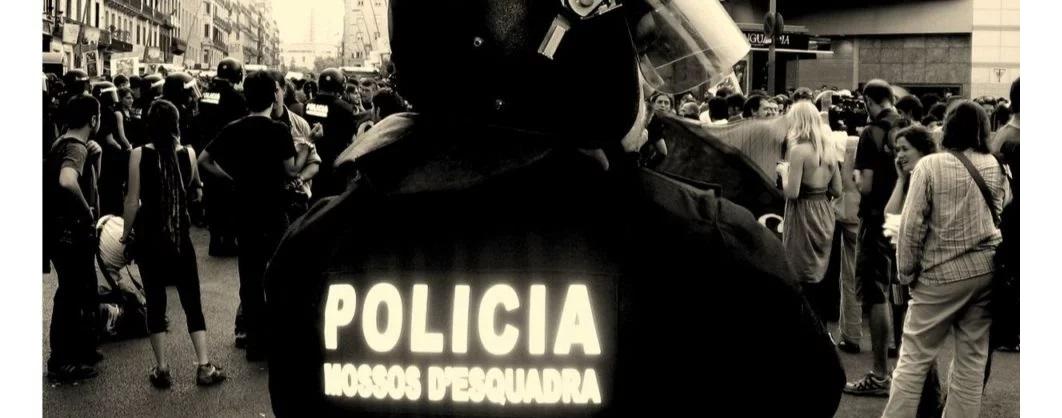 Pelotas de goma en Cataluña: está prohibido usarlas desde 2014, pero sólo afecta a los Mossos; Policía Nacional y la Guardia Civil pueden seguir usándolas